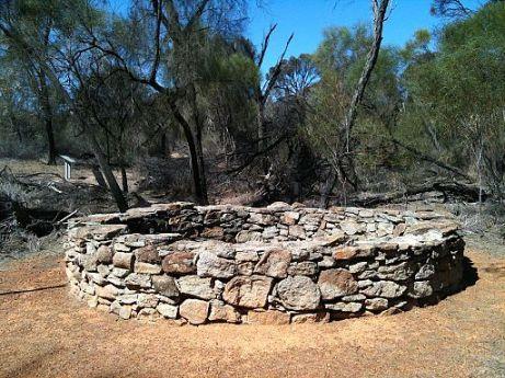Stone_Well_near_Kokerbin_Rock